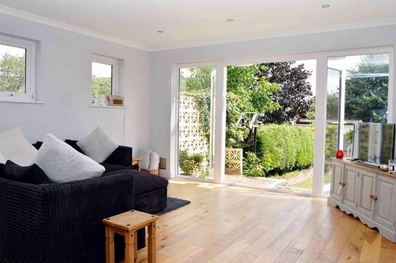 2 Bedrooms Maisonette Flat for sale in Athelstan Road, Harold Wood