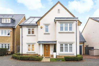 5 Bedrooms Detached House for sale in Edgefield Close, Beckenham