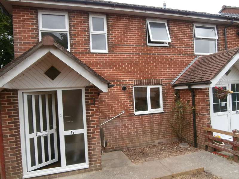 4 Bedrooms End Of Terrace House for rent in St Martins Close, Winchester