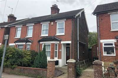 3 Bedrooms Semi Detached House for rent in West Green