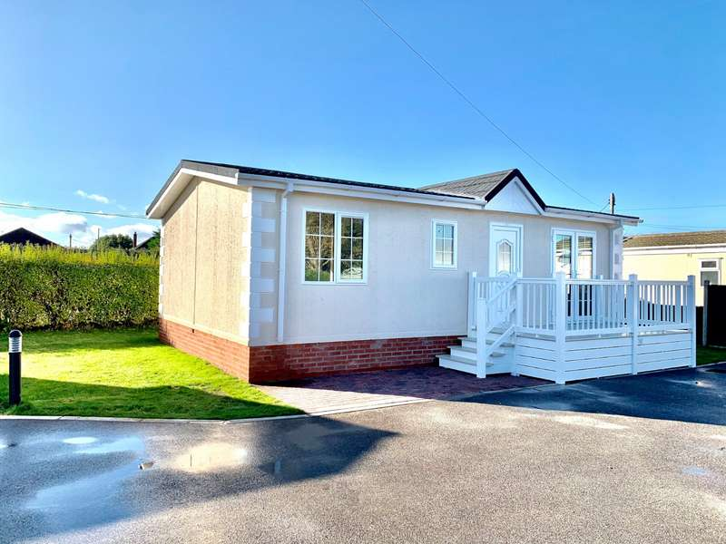 2 Bedrooms Park Home Mobile Home for sale in Ambleside Park, North Hykeham, Lincoln, Lincolnshire, LN6