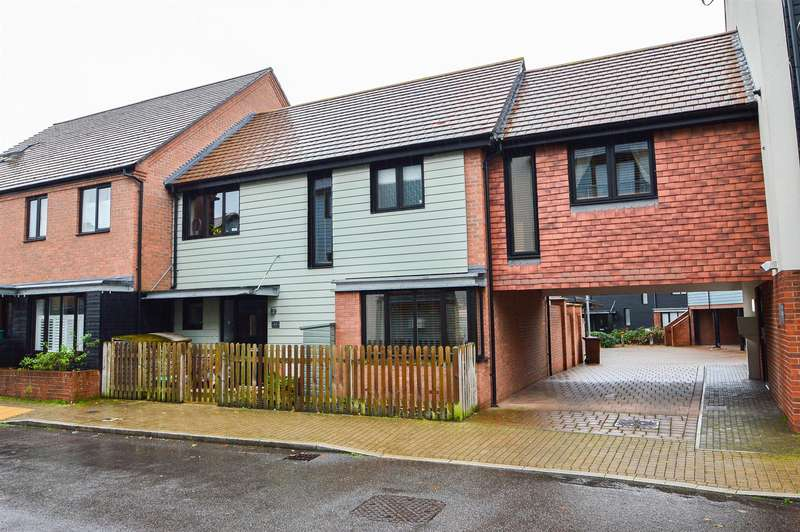 4 Bedrooms Property for sale in Hawley Drive, Leybourne, West Malling