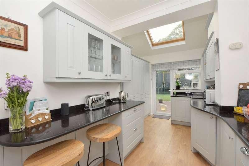 3 Bedrooms Semi Detached House for sale in Empress Drive, Chislehurst, BR7