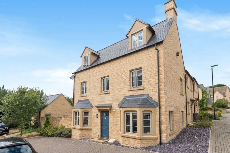 4 Bedrooms End Of Terrace House for sale in Savory Way, Cirencester, GL7