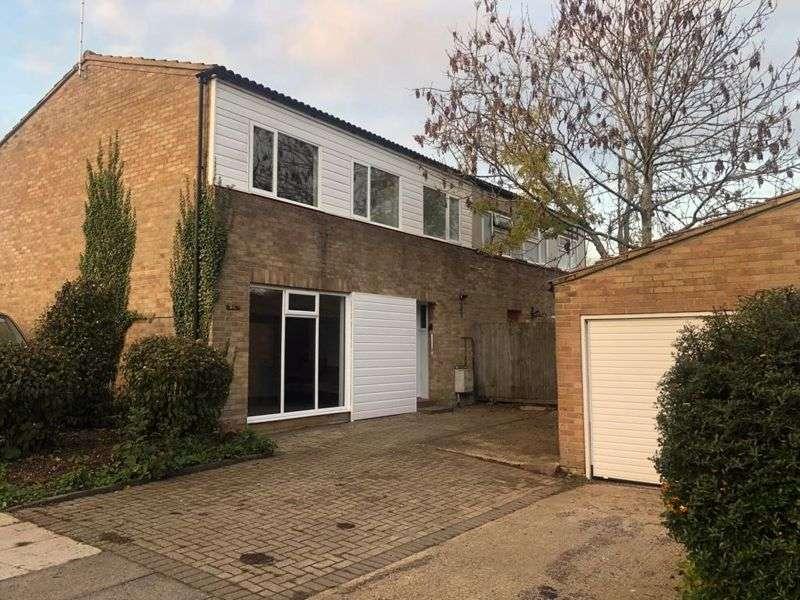 4 Bedrooms Property for rent in Broomfield, Milton Keynes