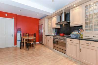 3 Bedrooms House for rent in Chingford, E4