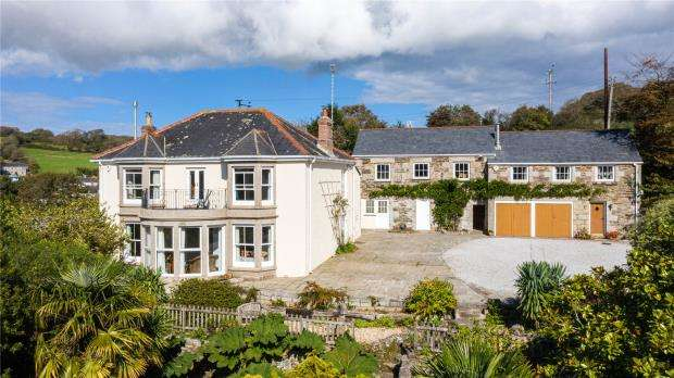 8 Bedrooms Detached House for sale in Lowertown, Helston, Cornwall
