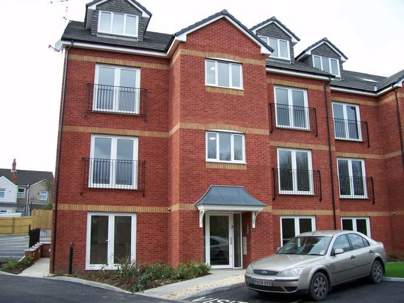 2 Bedrooms Flat for rent in Hall Street, Blackwood, Caerphilly