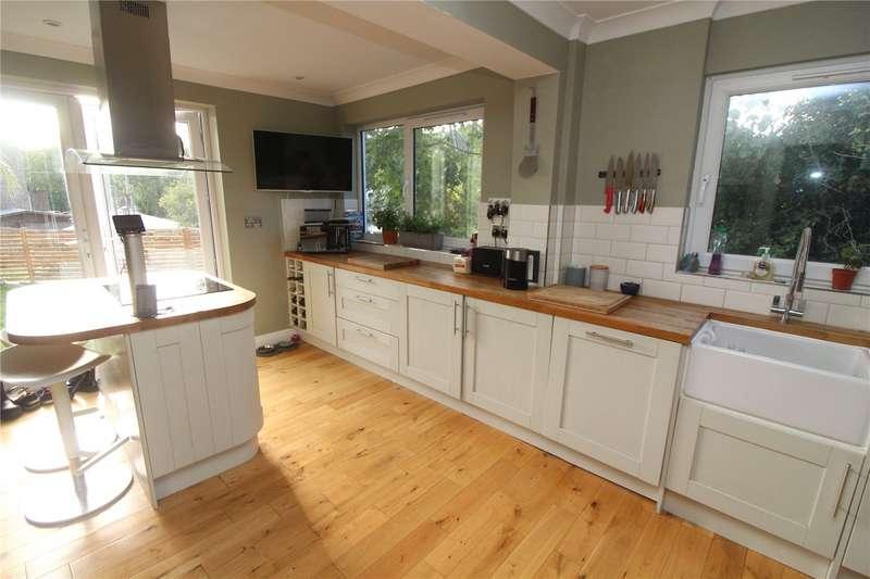 4 Bedrooms Semi Detached House for sale in Earl Close, Walderslade, Kent, ME5