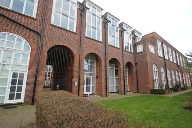 2 Bedrooms Property for sale in Sweyne Avenue, Southend on Sea