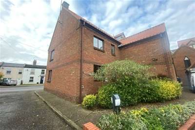 1 Bedroom Flat for rent in Edinburgh Court, King's Lynn.