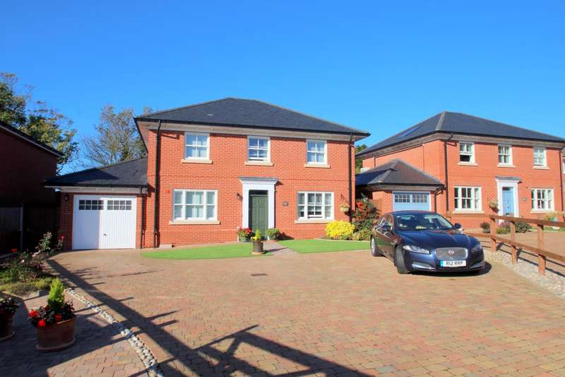 4 Bedrooms Detached House for sale in Richard Avenue, Brightlingsea, Colchester