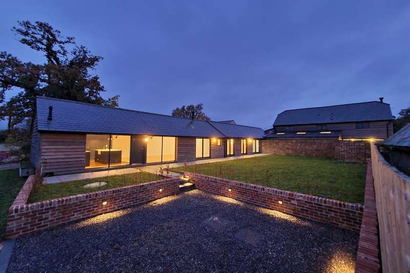 3 Bedrooms House for sale in The Dairy, Bleak Hill, Harbridge, BH24 3PX