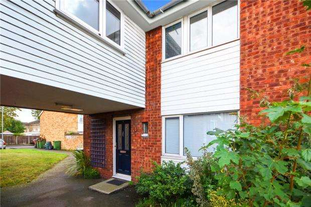 4 Bedrooms Semi Detached House for sale in Hazel Close, Witham, Essex