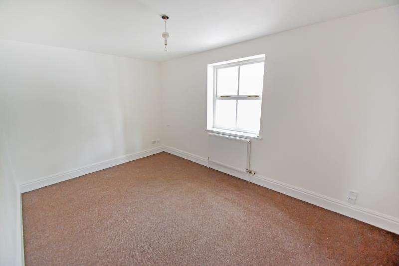 2 Bedrooms Flat for rent in King Street, Cottingham