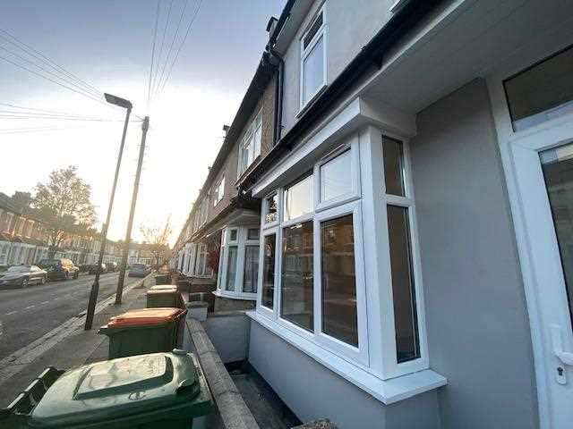 5 Bedrooms Terraced House for rent in Pond Road, London