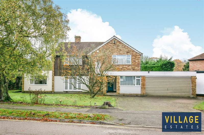 4 Bedrooms Detached House for sale in Park Crescent, Elstree, Borehamwood