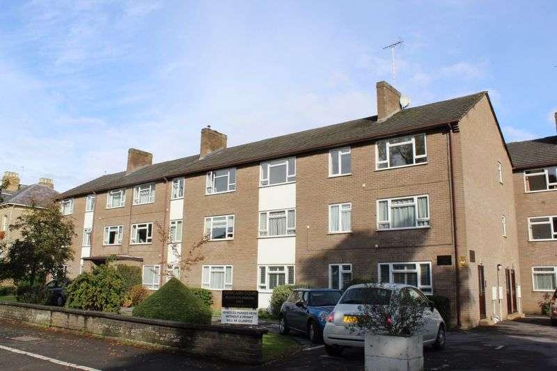 3 Bedrooms Property for sale in Glencairn Court, Lansdown Road, Cheltenham