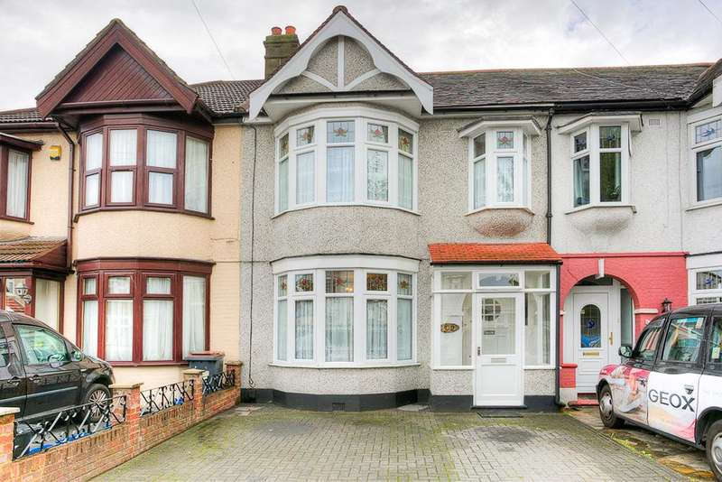 3 Bedrooms Terraced House for sale in Ashburton Avenue, Ilford, Essex, IG3 9EN