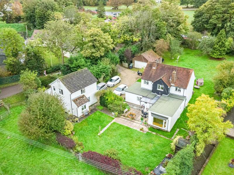 5 Bedrooms Detached House for sale in Parsonage Downs, Dunmow