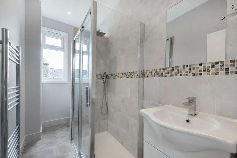 3 Bedrooms Flat for rent in Norwood Road, London