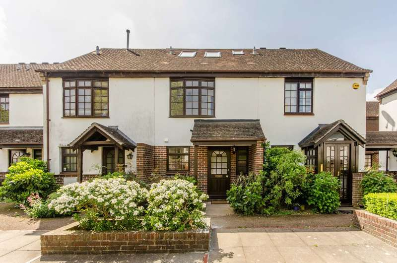 3 Bedrooms House for rent in George Square, Morden Park, SW19