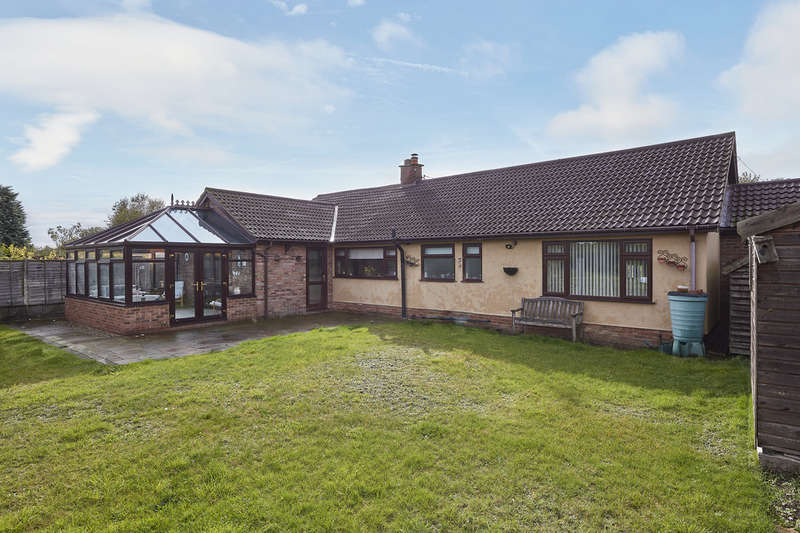 3 Bedrooms Detached Bungalow for sale in Church Road, Honington, Suffolk