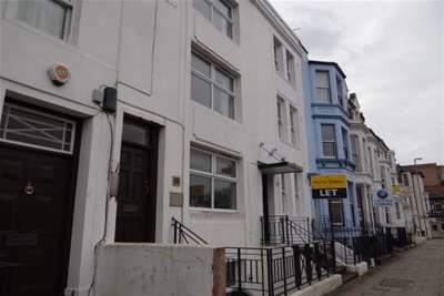 2 Bedrooms Flat for rent in Hampshire Terrace, Southsea *VIDEO TOUR AVAILABLE*