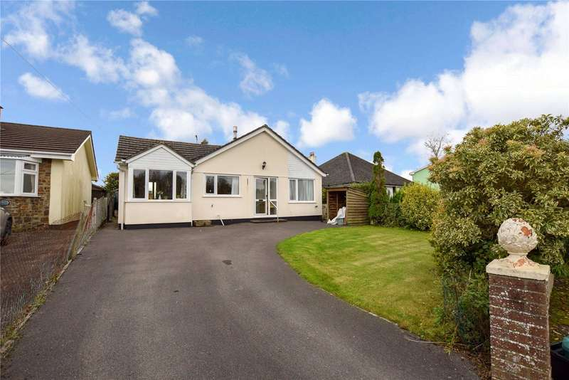 3 Bedrooms Detached Bungalow for rent in East Street, Sheepwash, Beaworthy, EX21