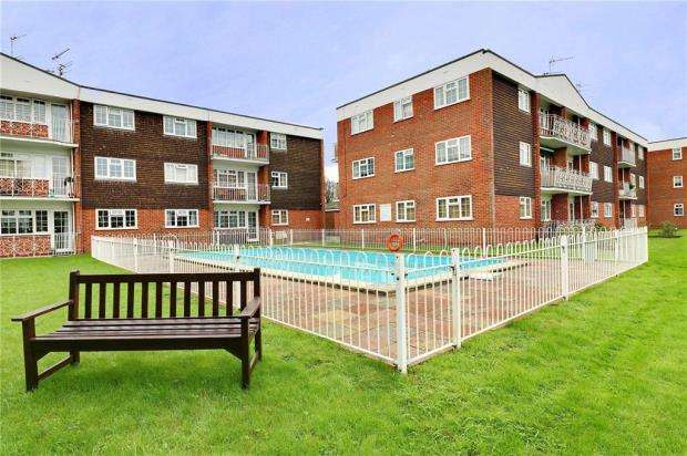 2 Bedrooms Apartment Flat for sale in Willow Tree, Mark Anthony Court, Hayling Island