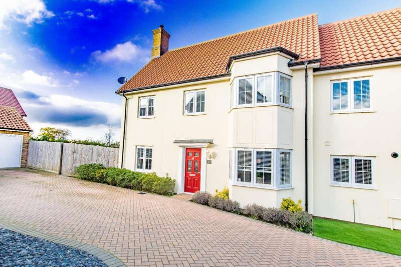 3 Bedrooms Semi Detached House for sale in Woodlands Park Drive, Dunmow