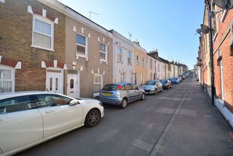 2 Bedrooms Property for rent in Alexandra Road, Ramsgate, CT11 7HX