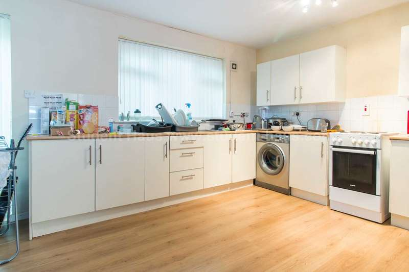 4 Bedrooms House for rent in Mildred Street, Salford