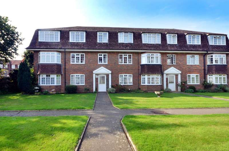 3 Bedrooms Flat for rent in Grosvenor Court, Burpham, GU4