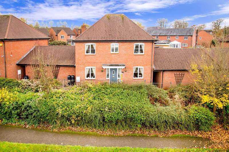 4 Bedrooms Detached House for sale in Priest Down, Beggarwood, Basingstoke, RG22