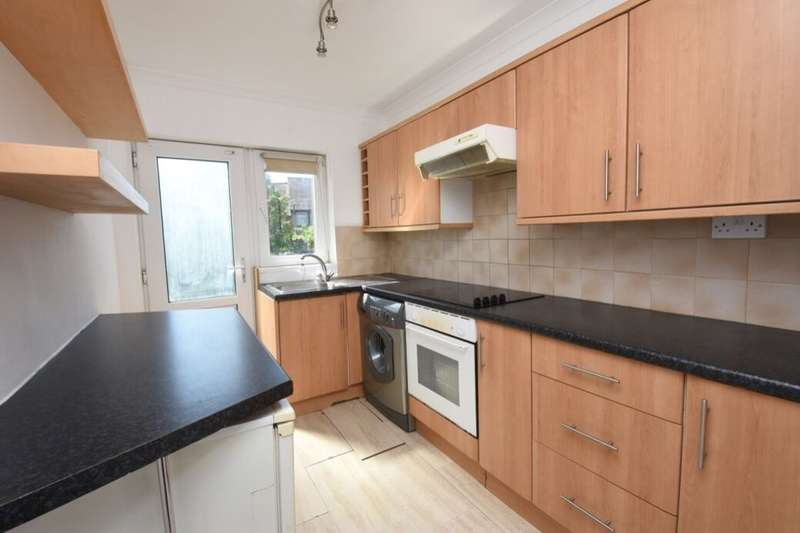 2 Bedrooms Flat for rent in Paget Avenue, Sutton, SM1