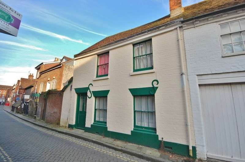 3 Bedrooms Terraced House for rent in Winchester City Centre