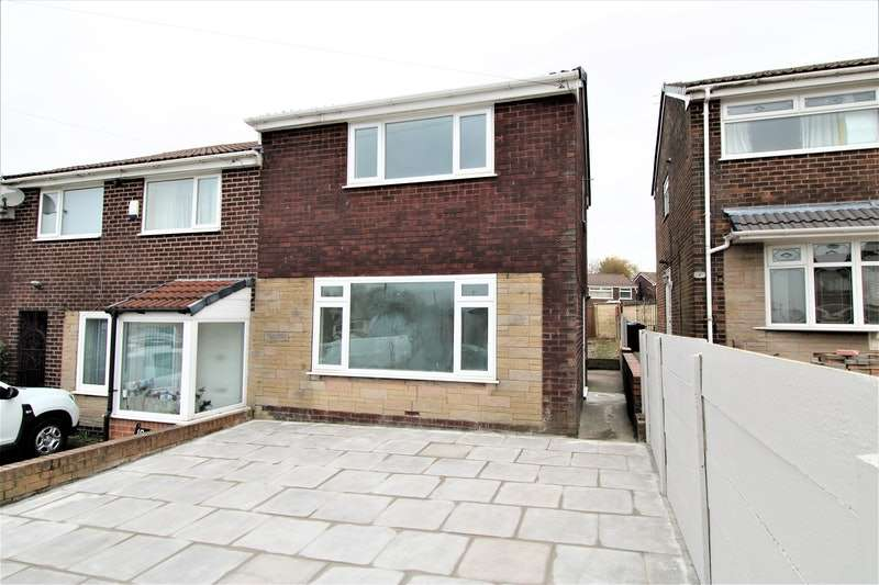 2 Bedrooms Terraced House for sale in Hampshire Road, Oldham, Greater Manchester, OL9