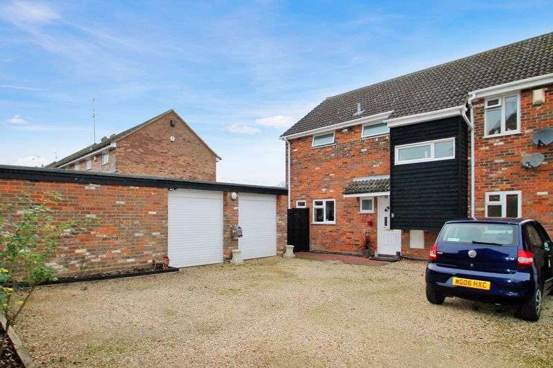 4 Bedrooms Property for sale in The Pastures, Edlesborough, Buckinghamshire