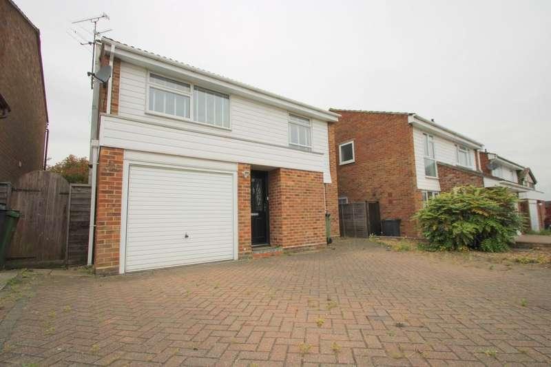 4 Bedrooms Detached House for rent in Mountbatten Road Braintree