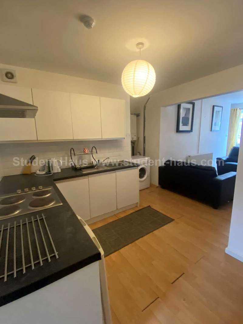 1 Bedroom House for rent in Lower Broughton Road, Salford, M7 2LH