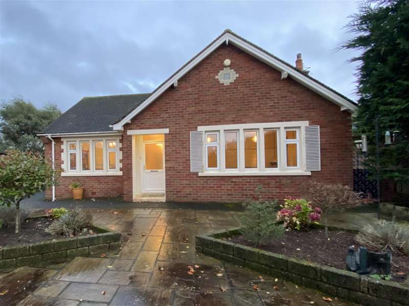 2 Bedrooms Detached Bungalow for sale in Channing Road, Fairhaven, Lytham St Annes