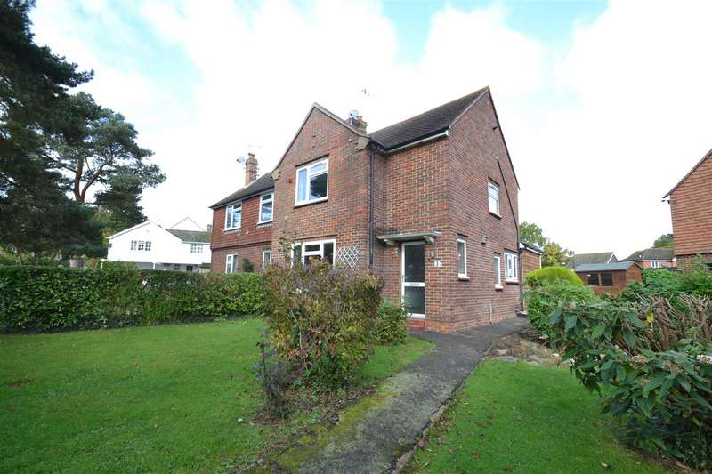 2 Bedrooms Semi Detached House for rent in Perrylands, Charlwood