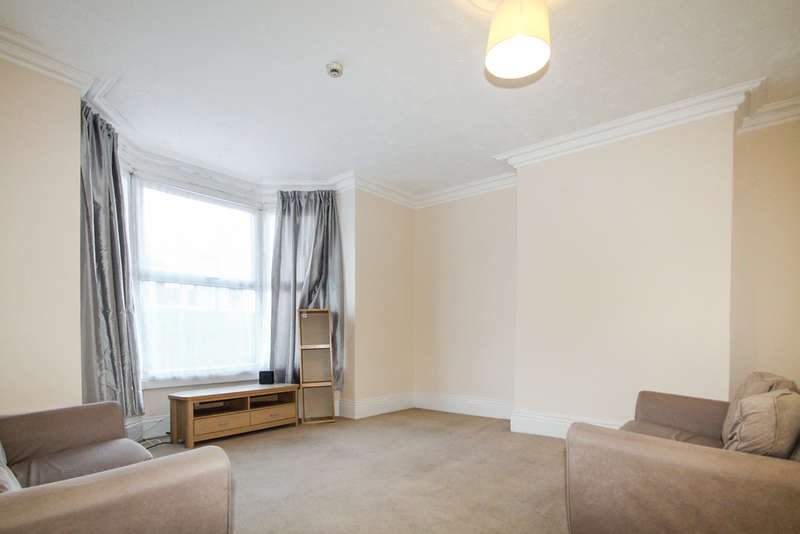 1 Bedroom Ground Flat for rent in Dixon Lane Road, Armley
