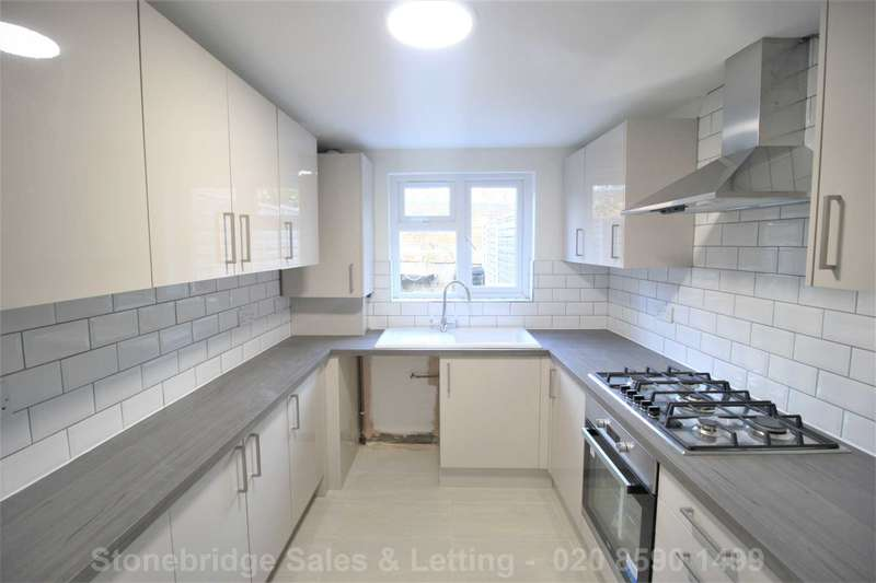 4 Bedrooms Terraced House for sale in Pond Road, Stratford, E15