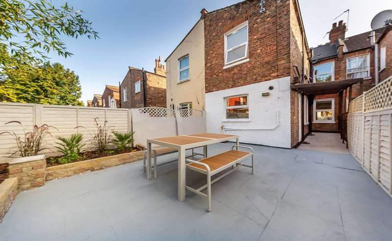 5 Bedrooms Terraced House for rent in St Margarets Avenue, Turnpike Lane, N15