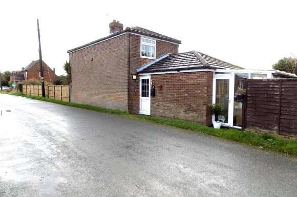 2 Bedrooms Property for rent in Mill Rd, Wiggenhall St Gemans, King's Lynn