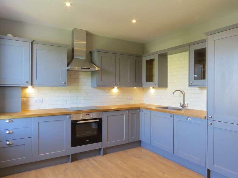 3 Bedrooms Apartment Flat for rent in Cedars Road, Beckenham