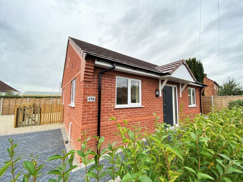 2 Bedrooms Bungalow for rent in Ombersley Road, Claines, Worcester, WR3
