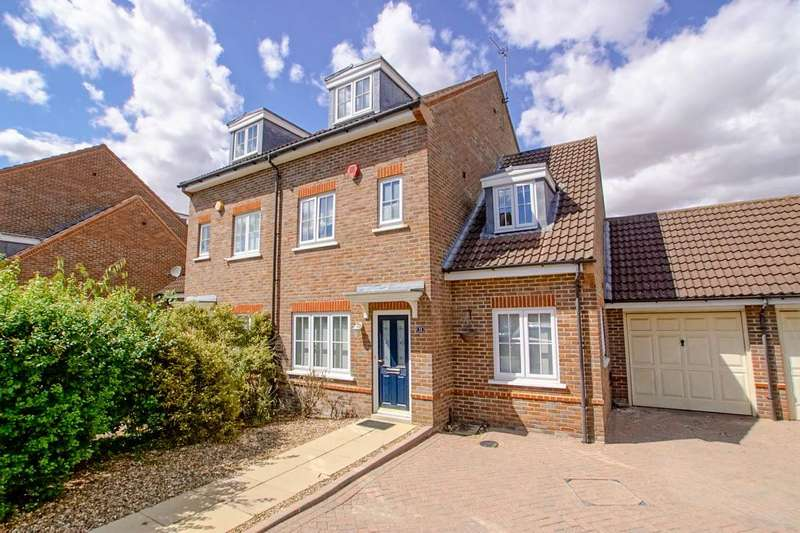 5 Bedrooms Semi Detached House for rent in Stanborough Mews, Welwyn Garden City